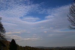 hole-punch-cloud-022-vs